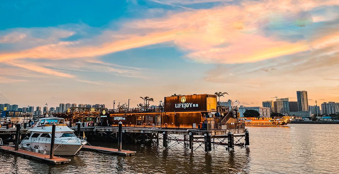 太古仓码头,港口、红墙、涂鸦、酒吧街,美丽的珠江日落黄昏