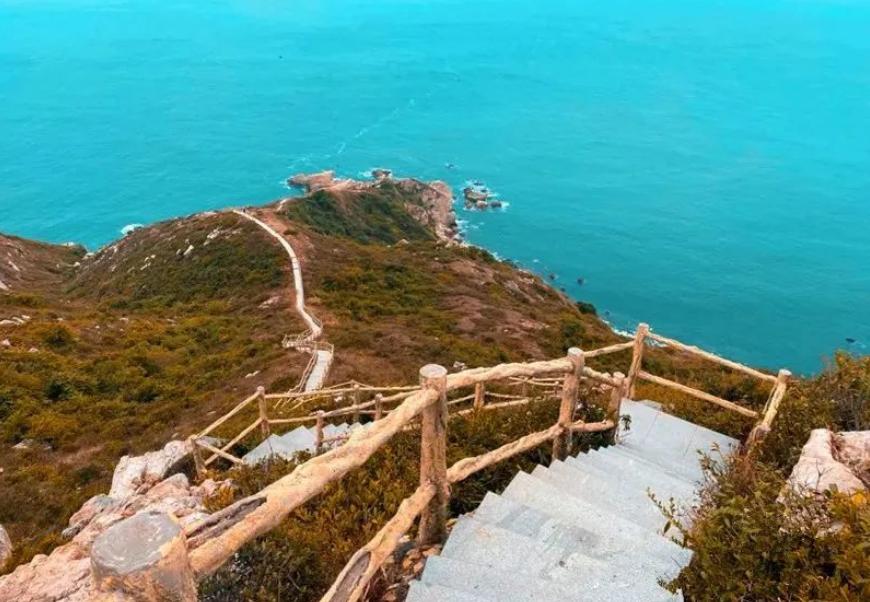【中国最美八大海岸线之一】东西冲穿越+天文台海天栈道